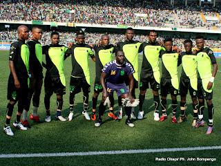 L'équipe de football de l'A.S.V Club ce 22/05/2011 au stade des Martyrs à Kinshasa, lors du match contre Saint Eloi Lupopo dans le cadre de Vodacom Super Ligue dont le score final, 2 pour V. Club et 0 pour Lupopo. Radio Okapi/ Ph. John Bompengo