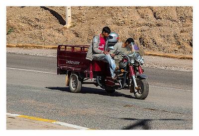 Im hohen Atlas: Ein Dreirad