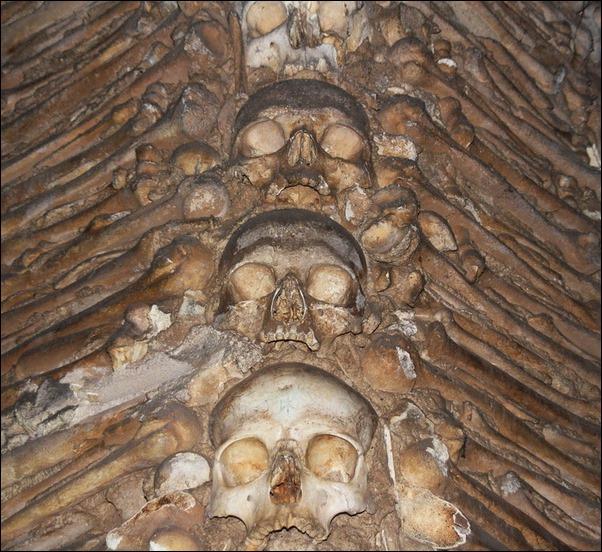 Capela-dos-ossos-03_resize