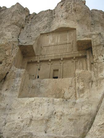 Monumente Iran: Naqsh i Rustam, necropola regilor persani
