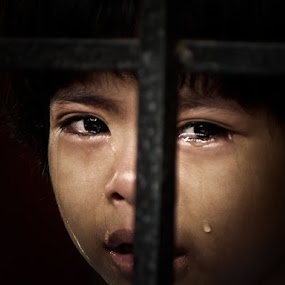 Our body is full of water but wherever it hurts, blood comes out & Our heart is full of Blood but whenever it hurts, TEARS come out by Izhar  Hj.Ishak - Babies & Children Children Candids
