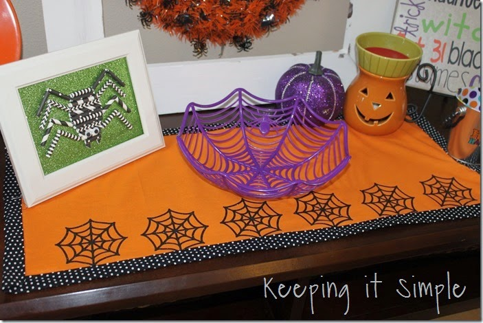 Halloween-spiderweb-table-runner (5)