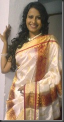sadhika_vengopal_new_hot_pic_in saree