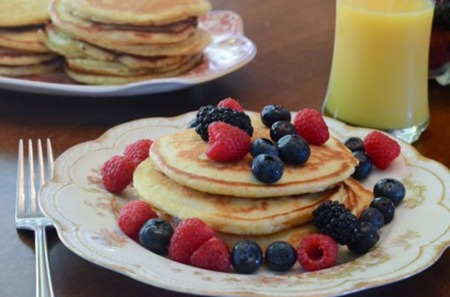 Moms-Buttermilk-Pancakes-2012-07-22-105-2-410x271