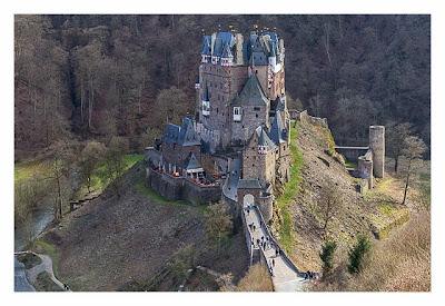Ältester Geocache Deutschlands - Panoramablick auf die Burg Eltz
