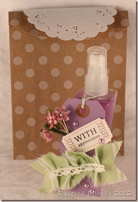 pkg dotted gift bag