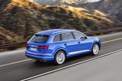 Audi-Q7-New-2016-07.jpg