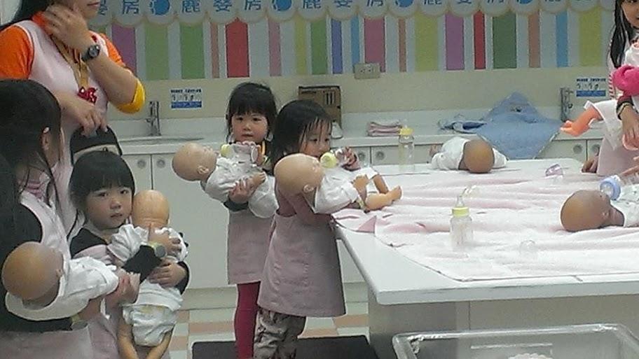 紹軒、晨瑄在BabyBoss 職業體驗任意城