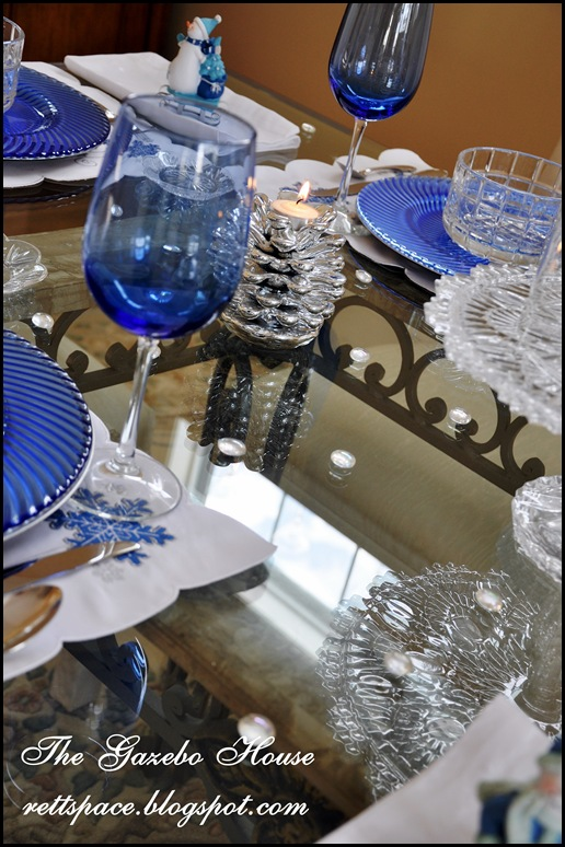 Jan Icey Blue Snowmen Table 023