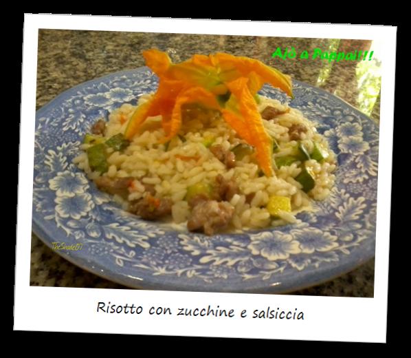 Fotografia del piatto risotto con zucchine e salsiccia