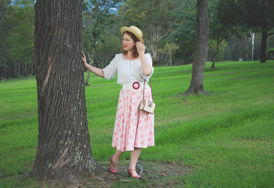 Off On An Adventure 1950's summer style post | Lavender & Twill