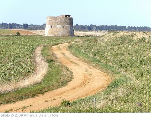 'Martello Tower, Bawdsey Beach, Alderton.' photo (c) 2009, Amanda Slater - license: http://creativecommons.org/licenses/by-sa/2.0/