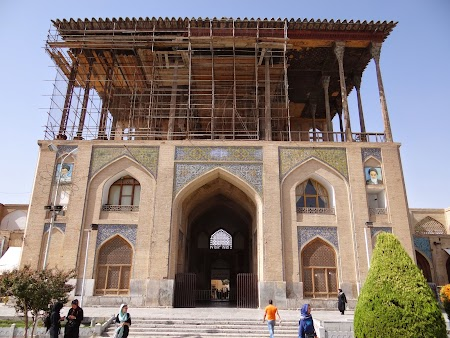 22. Ali Qapu Palace.JPG