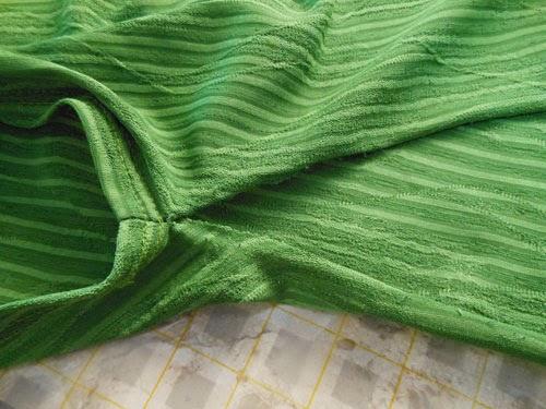 como-aumentar-blusa-lateral-customizando-4.jpg
