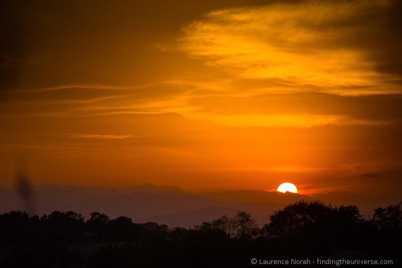 sunset le marche