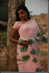 Divya Nagesh Hot Saree Photos Stills