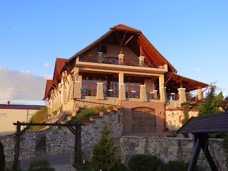 Drumul vinului -Basarabia: Restaurant la Vartely