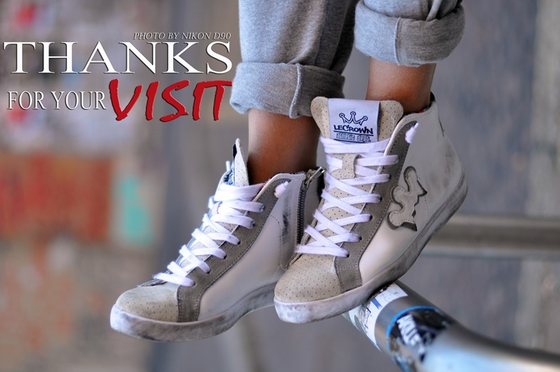 lecrown sneakers