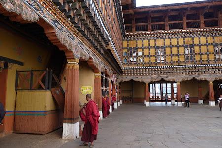 243. Paro dzong.JPG