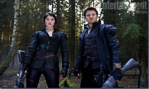 Gemma-Arterton-and-Jeremy-Renner-in-Hansel-and-Gretel-2012-Movie-Image-600x399