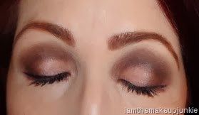 Urban Decay Naked3 Look 2_eyes closed