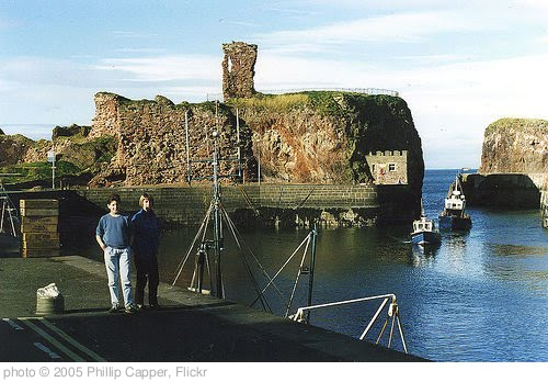 'John and Sandy Gray, Dunbar Harbour and Castle, 1987' photo (c) 2005, Phillip Capper - license: http://creativecommons.org/licenses/by/2.0/