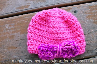 pink baby hat with bow