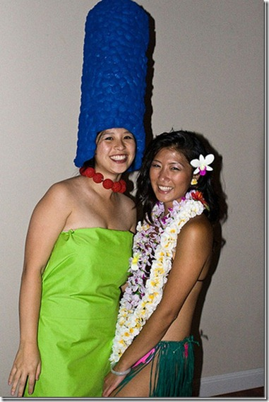 How-to-Make-a-Marge-Simpson-Costume_thumb[2]