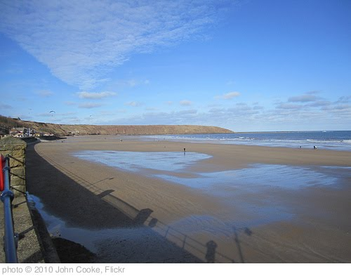 'Filey Seafront' photo (c) 2010, John Cooke - license: http://creativecommons.org/licenses/by/2.0/