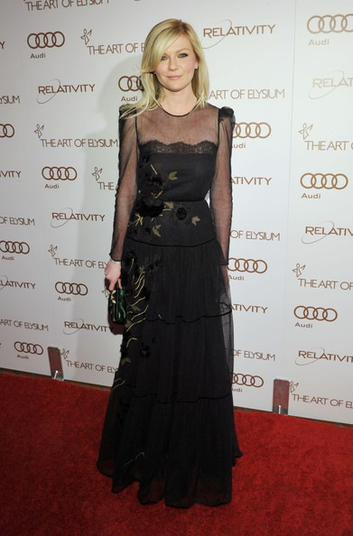 Kirsten Dunst arrives at the 2012 Art of Elysium Heaven Gala