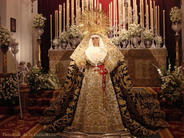 Esperanza de Triana - Sevilla - Besamanos 17-12-2011 (9).JPG
