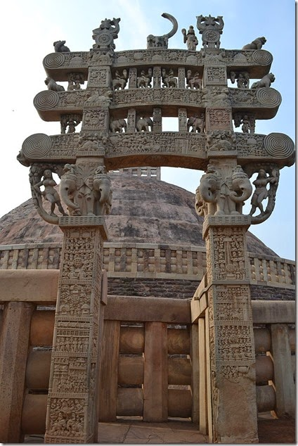 640px-Pillar_at_Sanchi