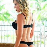 Natalia Paris – Modelando Ropa Interior Foto 37