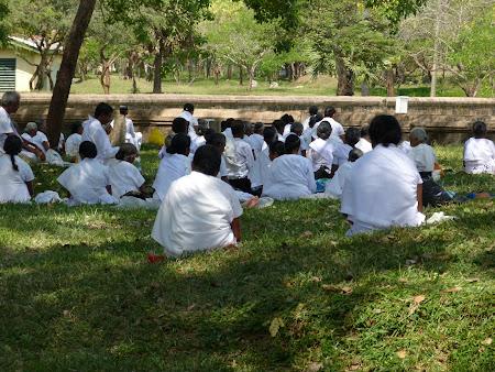 Budism in Sri Lanka: credinciosi budisti