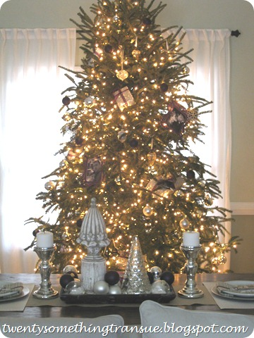 Purple Christmas Tree Decorations and Tablescape 006 (2)