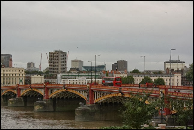 Vauxhall bridge on a rainy Sunday morning