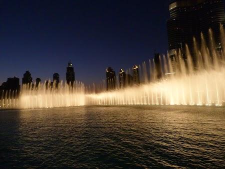05. Spectacolul fantanilor Dubai Mall.JPG