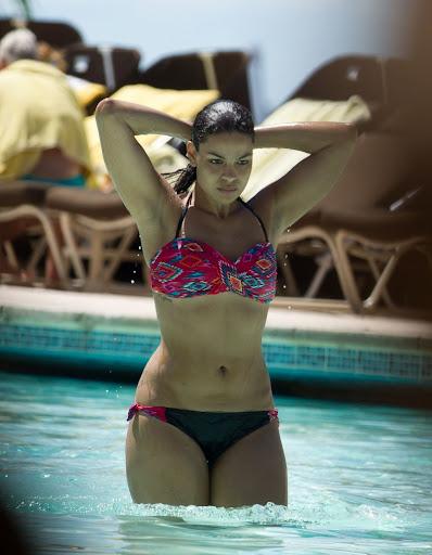 Topless Hot Valerie van der Graaf  naked (14 pictures), YouTube, cameltoe