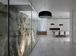 interior-casa-muro-piedra-jerusalem