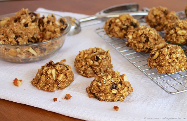 Healthy-Oatmeal-Apple-Raisin-Cookies11