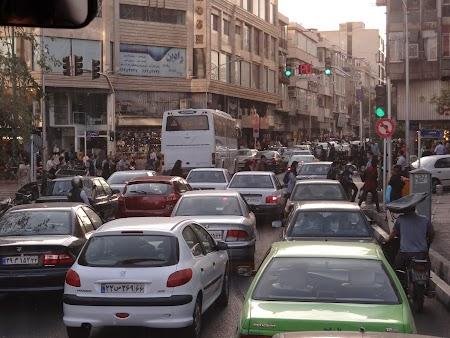 16. Trafic in Teheran.JPG