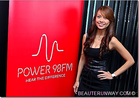 POWER 98FM JAMIE YEO DJ HUBERT TANG SONJA BREAKFAST SHOW SINGAPORE RADIO Around The World Wth Power Contest Coldplay  Rihanna