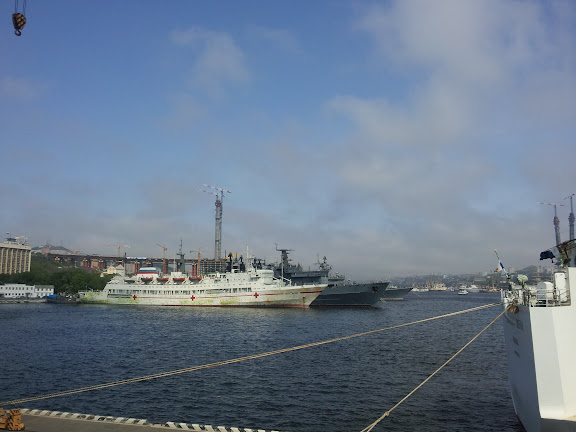 Vladivostok : le port, 20 juin 2011. Photo : J. Michel