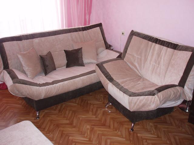 Два мягких дивана клик-кляк Бриз - Вильвет Люкс 23 с квадратным пуфиком