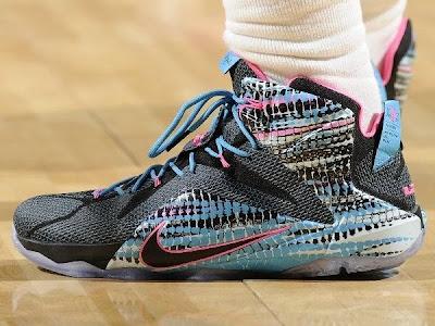 official photos ed81d 6e7c4 chromosomes   NIKE LEBRON - LeBron James Shoes