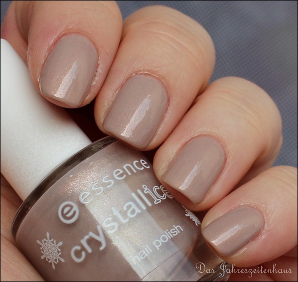 Beige Essence Crystallized 03 Iced Age Reloaded 3