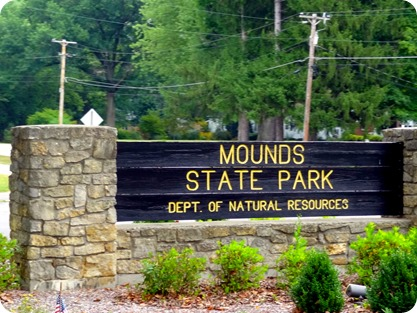 MOUNDS STATE PARK SIGN