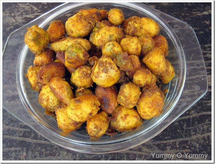 Baby Colocasia Roast / Chembu Roast
