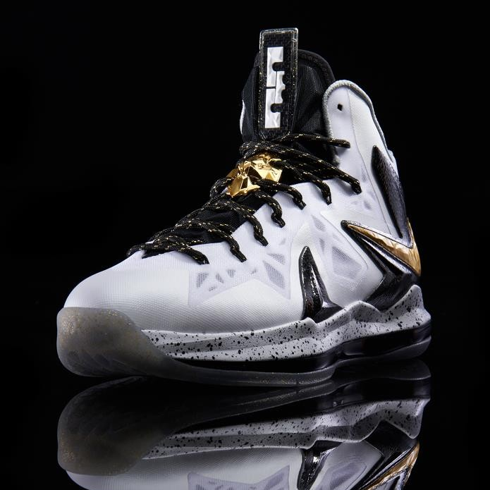 promo code 9abd5 9b682 Another Look at Nike LeBron X PS Elite in White Gold and Black ...