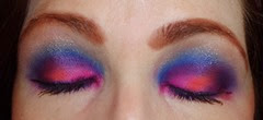 Look2 Urban Decay Electric Eye Shadow Palette_eyes closed
